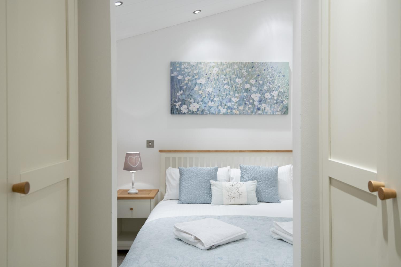 Lake Lodge 3 - Bedroom