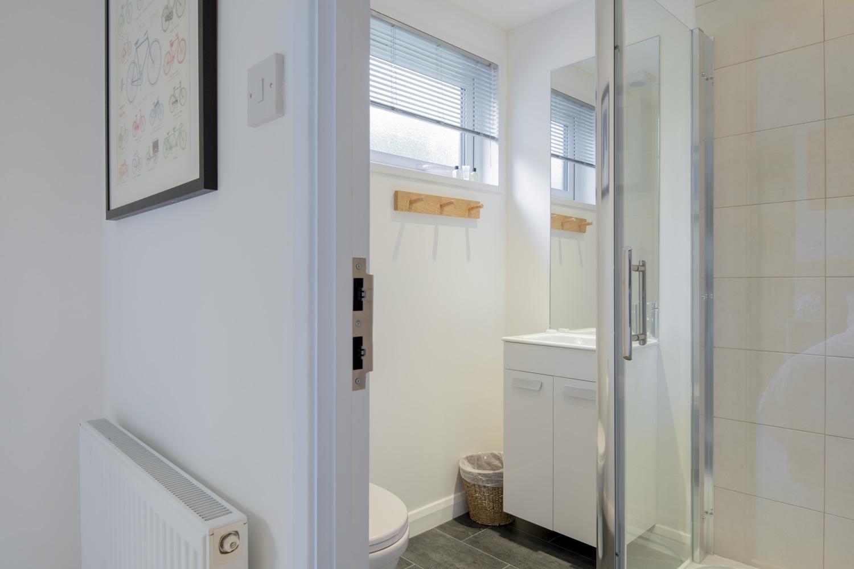 Dragonfly Lodge - Bathroom