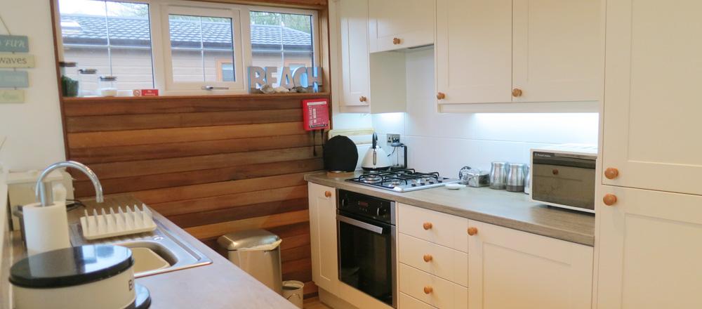 Kingfisher lodge - kitchen area