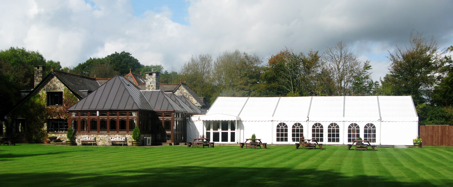 The garden room and marquee