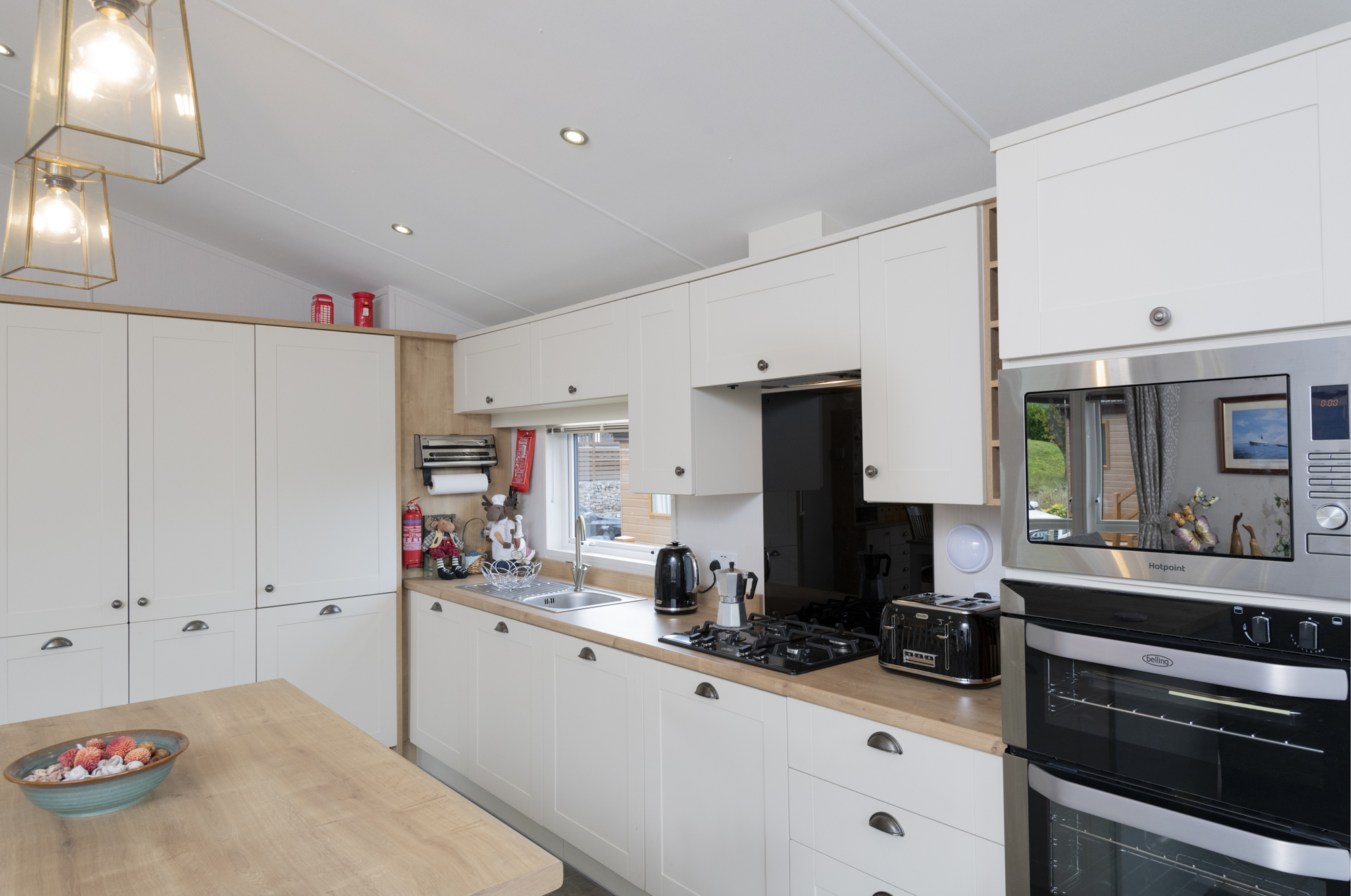 The kitchen in the Lakeside Haven lodge