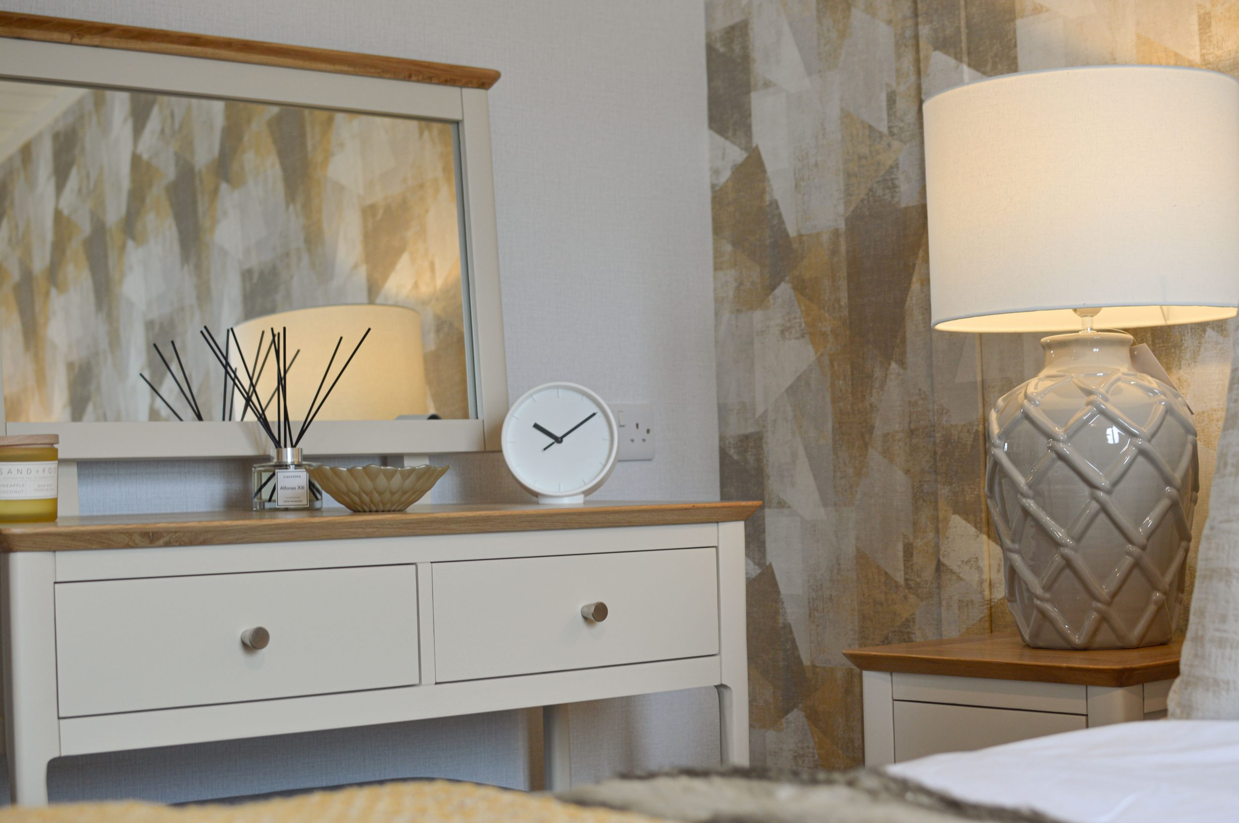 The Oslo Lodge - Bedroom dressing table
