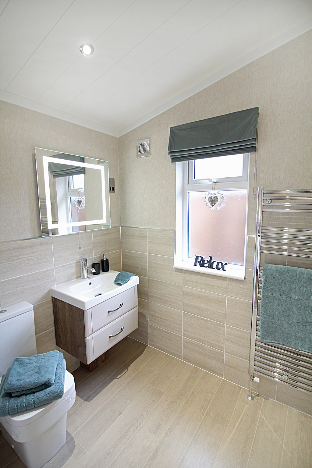 Omar Kingfisher Lodge - Ensuite from Master Bedroom