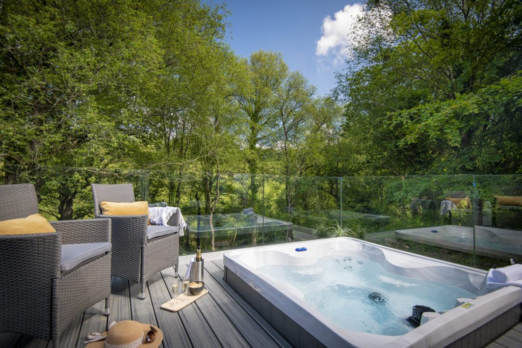 hot-tub-lodge